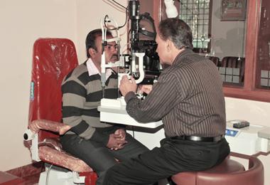 home_r-p-eye_treatment4